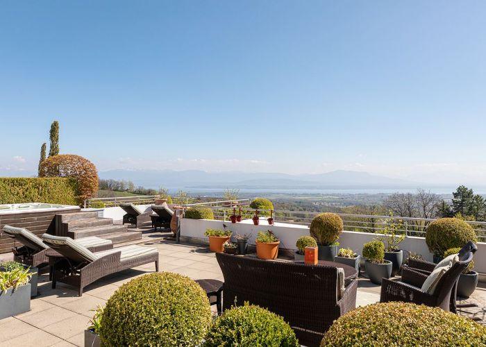Magnifique appartement de 6.5 pièces en duplex, vue imprenable sur le lac et les Alpes