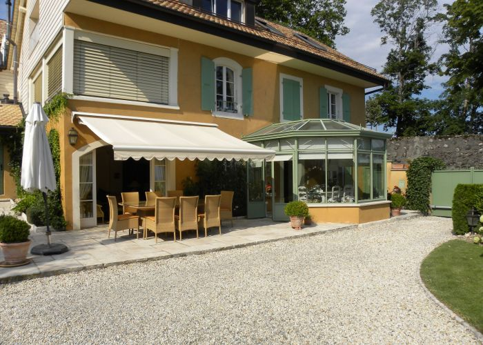 Appartement dans ancienne maison villageoise de 5.5 pièces avec vue lac et Mont-Blanc